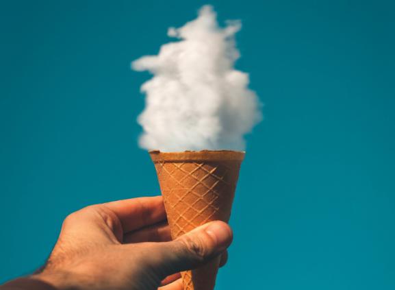 Content marketing B2B - kreativa moln