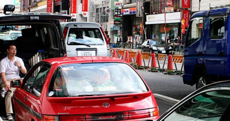 Japaner hyr bil
