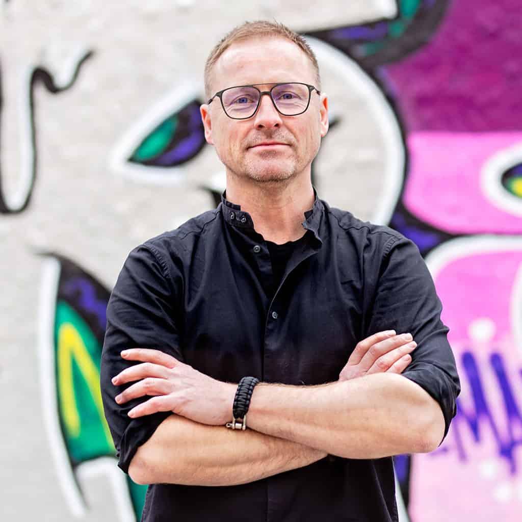 Magnus Äng är en av grundarna till Topvisible och arbetar dagligen med Content Marketing, SEO och YouTube.