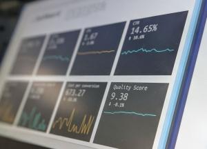 en rapport visas på en dator